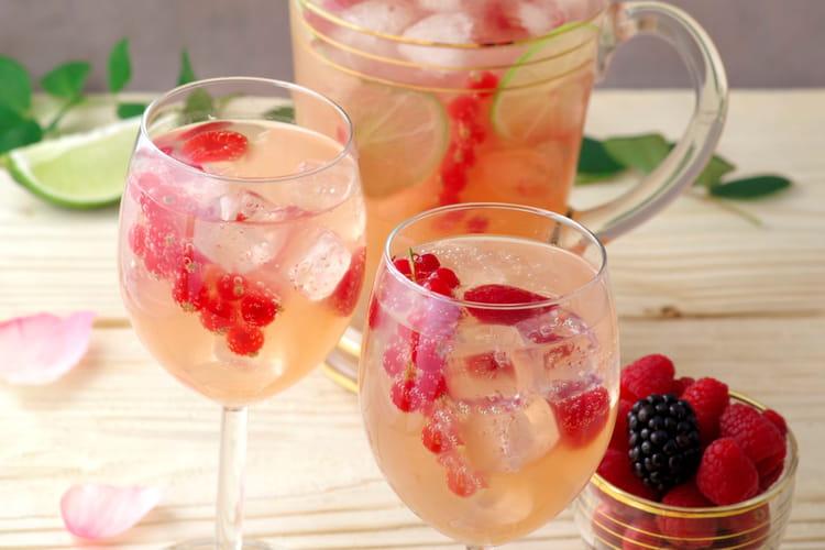 Cocktail à la goyave, litchi et rose