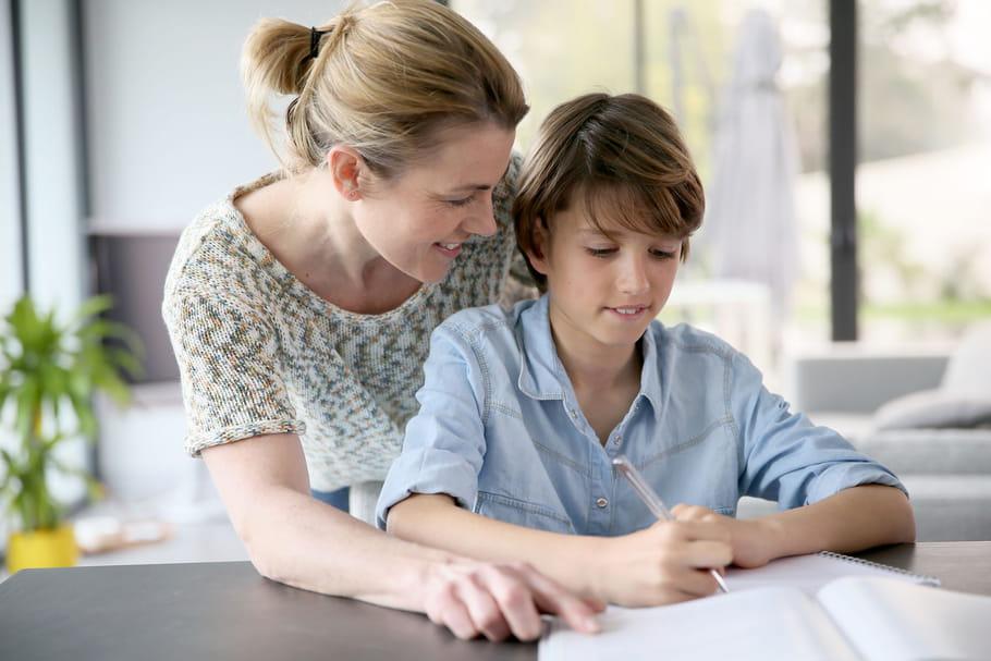 Comment aider son enfant à faire ses devoirsà la maison?