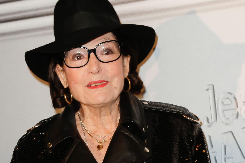 Nana Mouskouri a 87ans: Mariages, Regrets, Enfants, Fortune, Critiques...