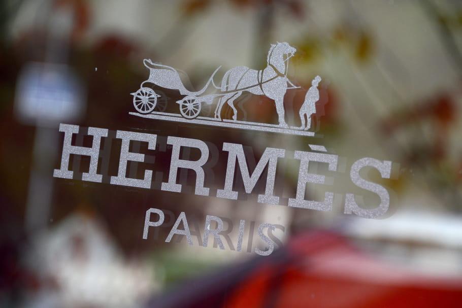 Hermès expose ses vitrines de rêve au Grand Palais
