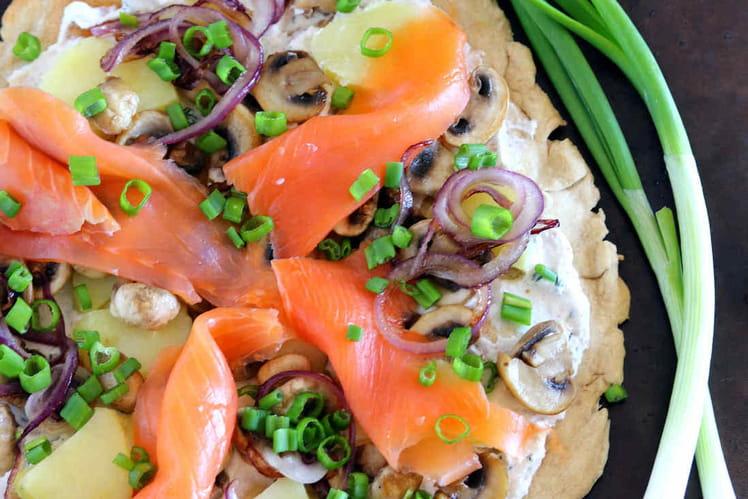 Pizza blanche saumon fumé, ricotta et pommes de terre