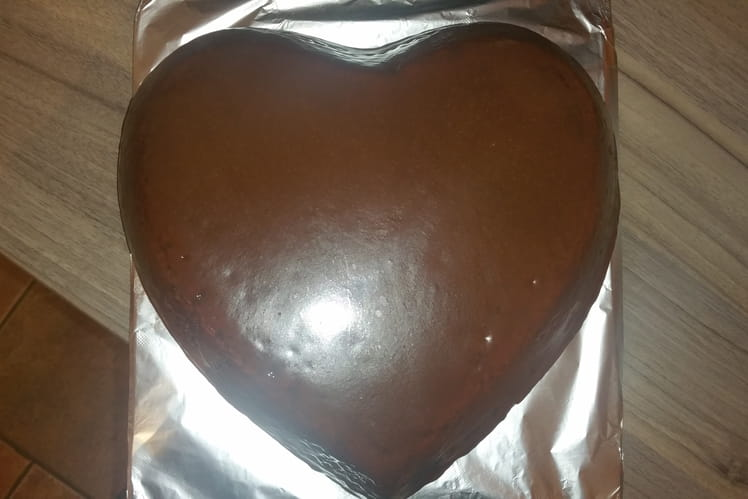Gâteau Au chocolat et son glaçage miroir