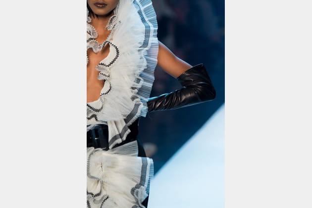 Jean Paul Gaultier (Close Up) - photo 29