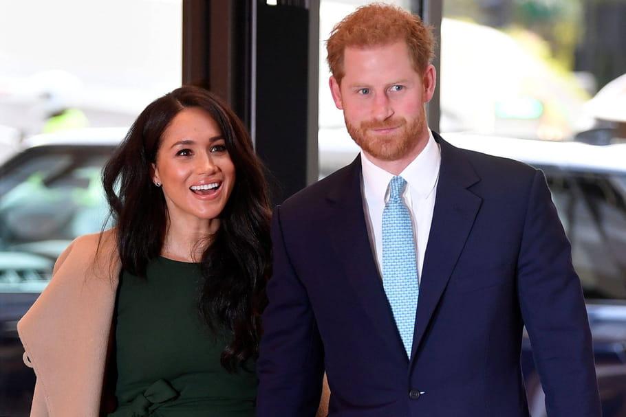 """Harry et Meghan ne sont plus Altesses Royales, le duc de Sussex """"en grande tristesse"""""""