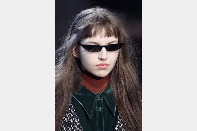 Les lunettes de soleil motard fines du défilé Rochas