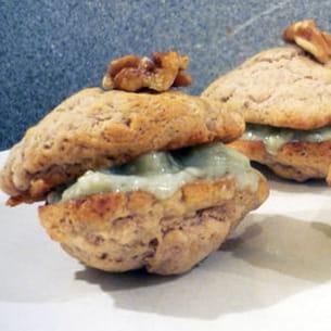 whoopies pies aux noix, poires et roquefort