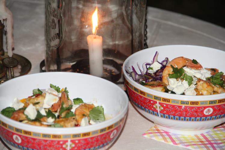 Bowl fraîcheur aux crevettes, mangues, avocat et coriandre