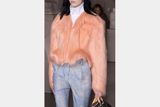 Louis Vuitton (Close Up) - photo 33