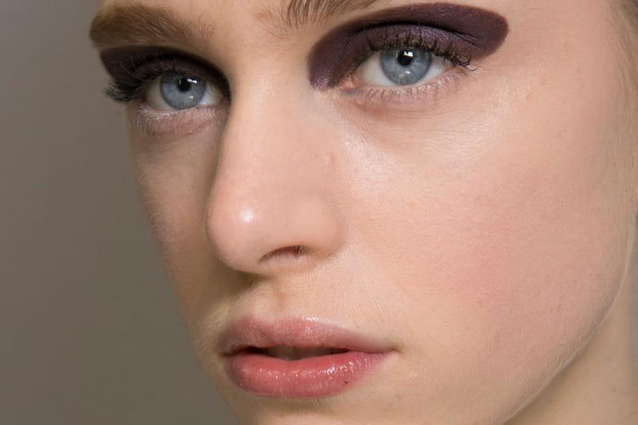 Christian Dior : le maquillage imposant du défilé prêt-à-porter automne-hiver 2015-2016