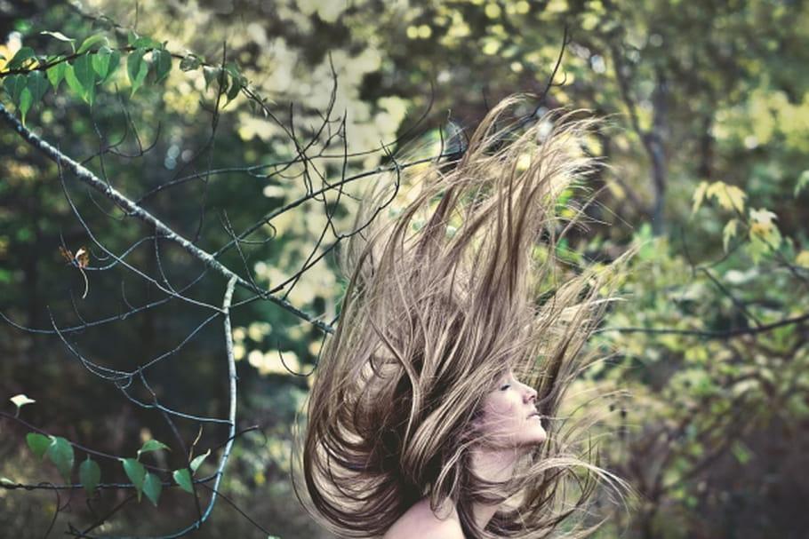Comment stimuler naturellement la pousse de vos cheveux?