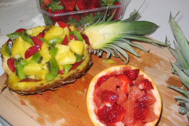 recette de salade de fruits exotiques originale la recette facile. Black Bedroom Furniture Sets. Home Design Ideas