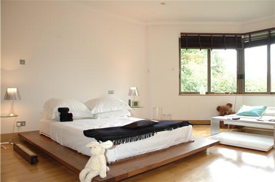 une chambre contemporaine. Black Bedroom Furniture Sets. Home Design Ideas