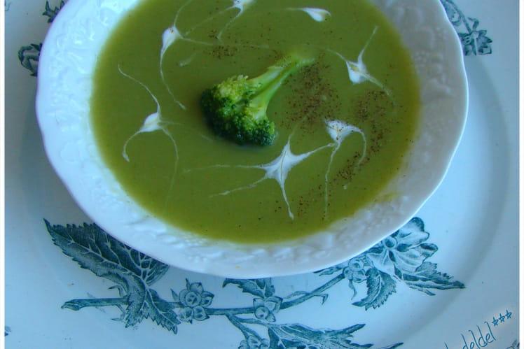 Velouté de brocoli et de poireau