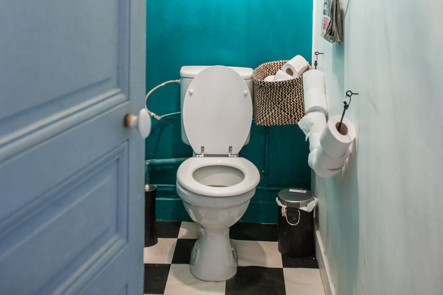 D boucher des wc for Amenagement toilette