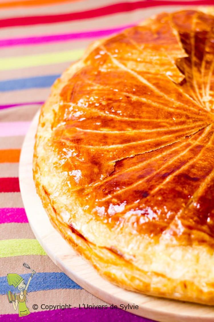 Recette de galette des rois aux poires amandes et chocolat la recette facile - Recette facile galette des rois ...