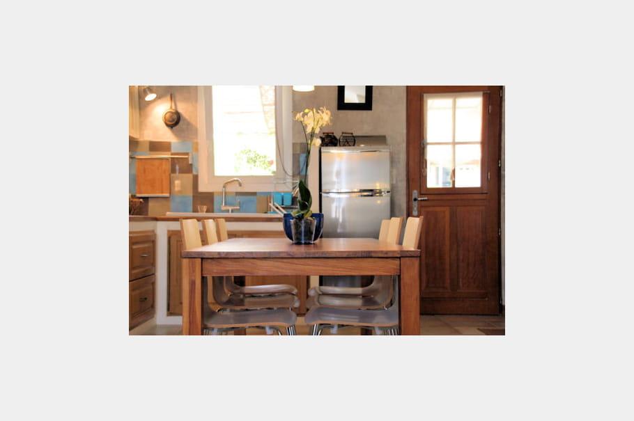 espace cuisine une maison de famille journal des femmes. Black Bedroom Furniture Sets. Home Design Ideas
