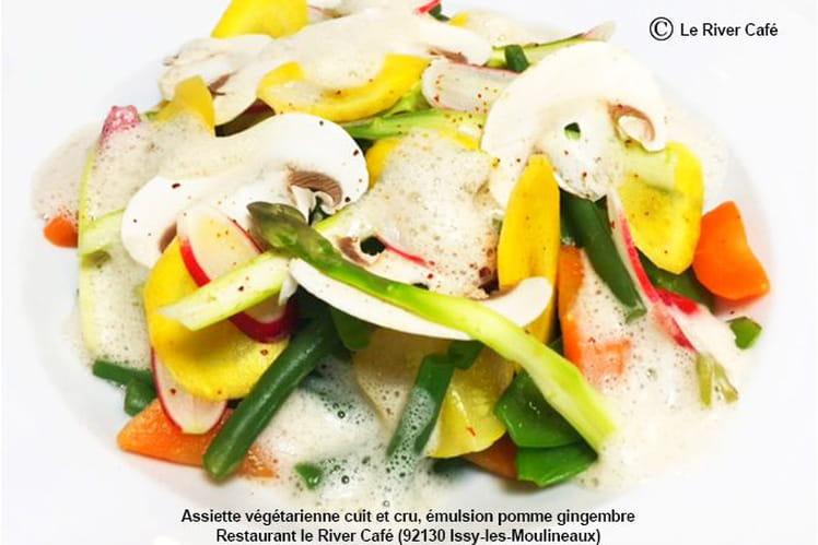 Assiette végétarienne cuit et cru, émulsion pomme gingembre