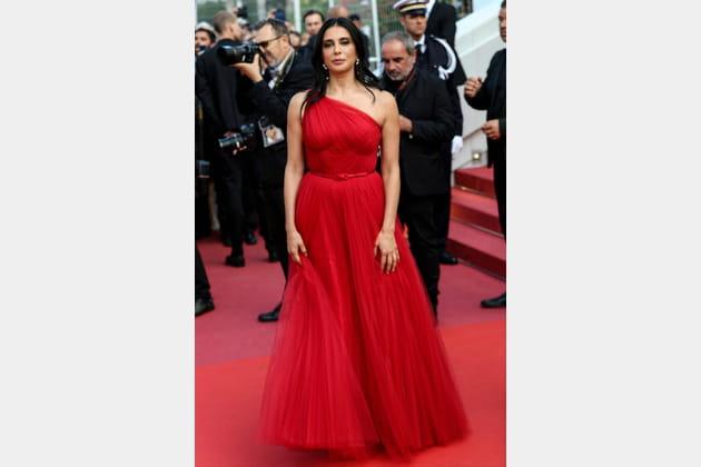 Nadine Labaki en robe rouge