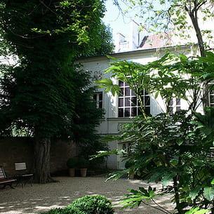 le jardin et l'atelier du musée national eugène delacroix dans le vie