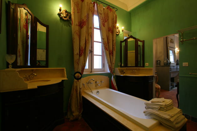 Une salle de bains romantique