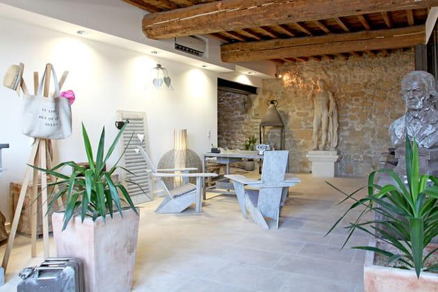 Style urbain chic dans une maison d'Arles