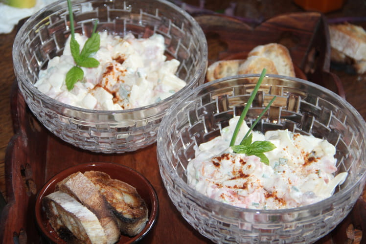 Tartare de poissons fumés, pomme, oignon frais, sauce crémeuse