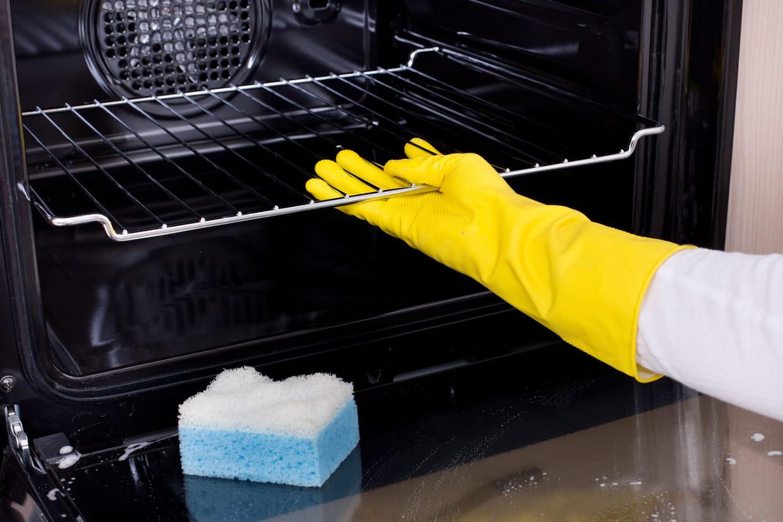 Comment Nettoyer Le Four nettoyer le four : pyrolyse, catalyse et astuces naturelles