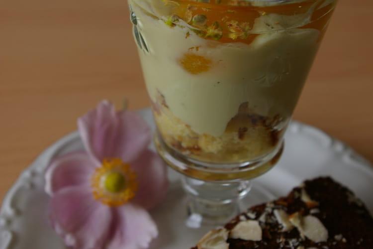 Crème à la pistache, aux abricots et aux amandes
