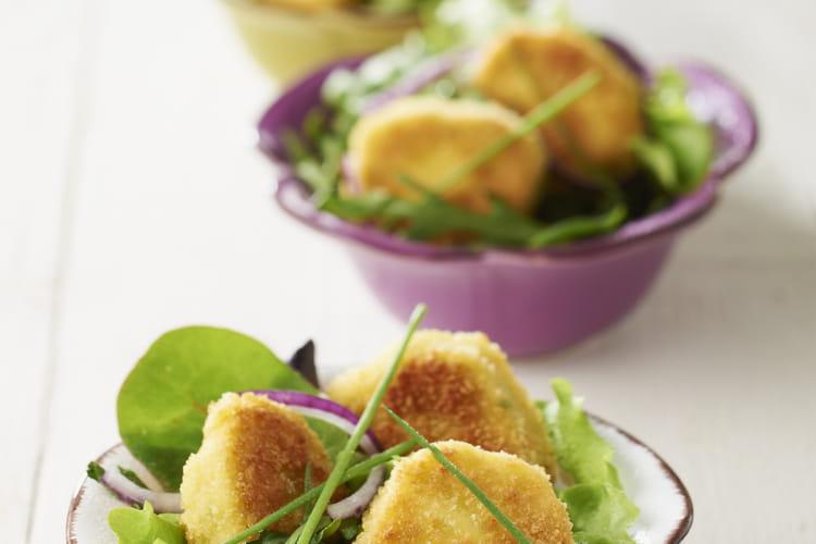 Salade de mesclun aux suprêmes soufflés panés