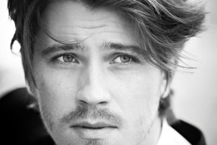 Garret Hedlund, nouvel ambassadeur Yves Saint Laurent Beauté