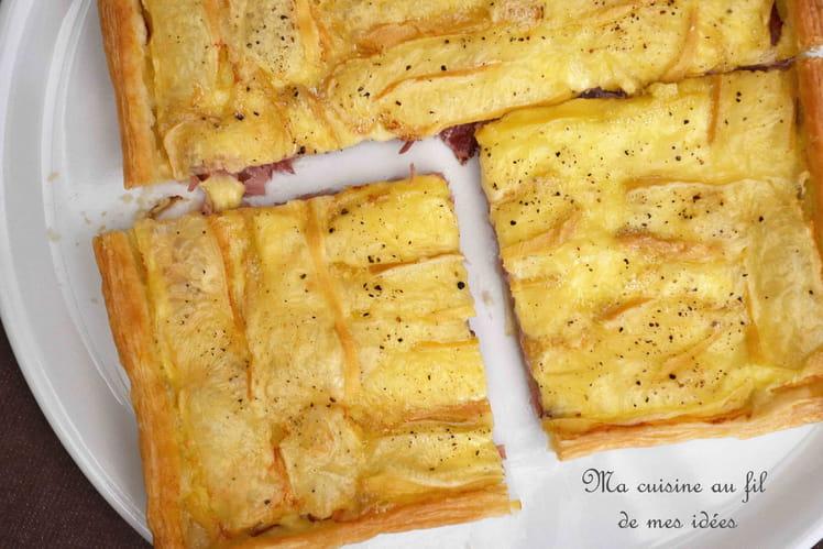 Feuilleté au reblochon, moutarde et jambon cru