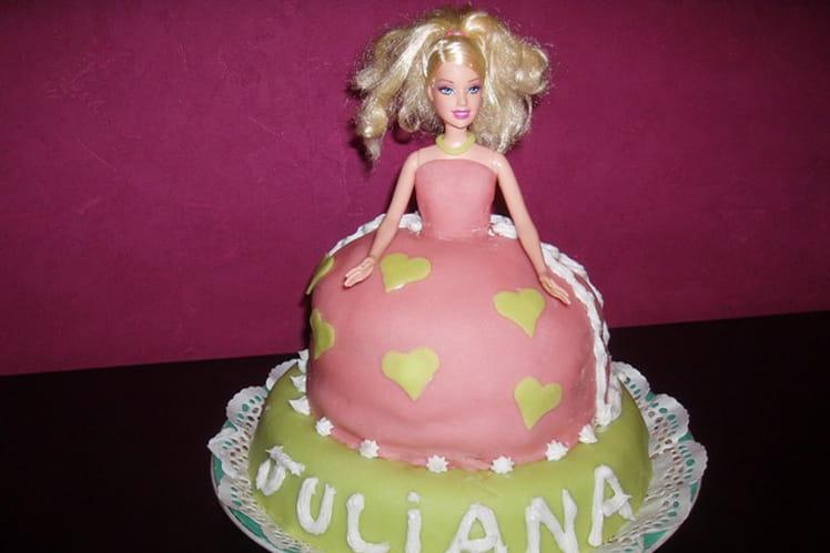 Gâteau de petite fille façon Barbie