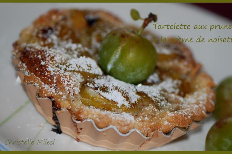 Tartelette aux prunes à la crème de noisettes