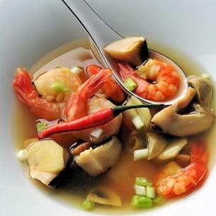 tom yam ou soupe de crevettes au galanga
