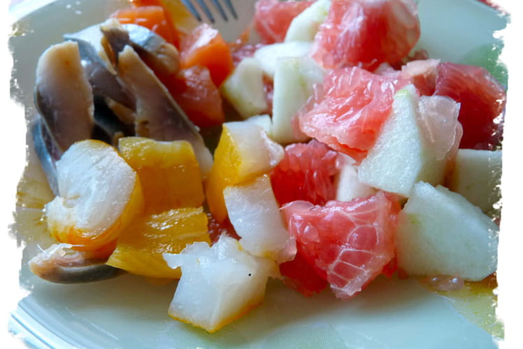 Salade fraîcheur fruitée aux trois poissons