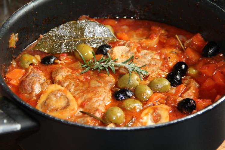 Jarret de veau aux olives vertes et noires