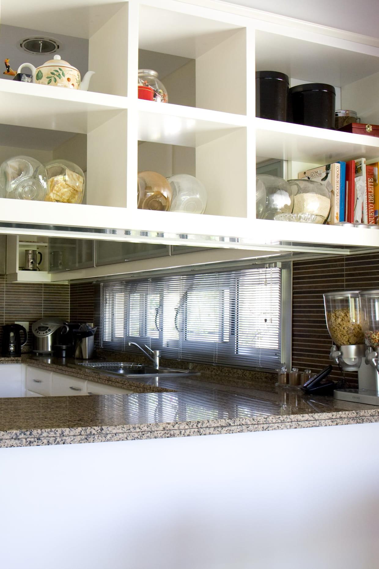 des casiers de rangement. Black Bedroom Furniture Sets. Home Design Ideas