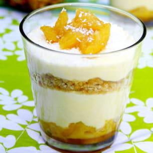 tiramisu piña colada (ananas, rhum, coco)