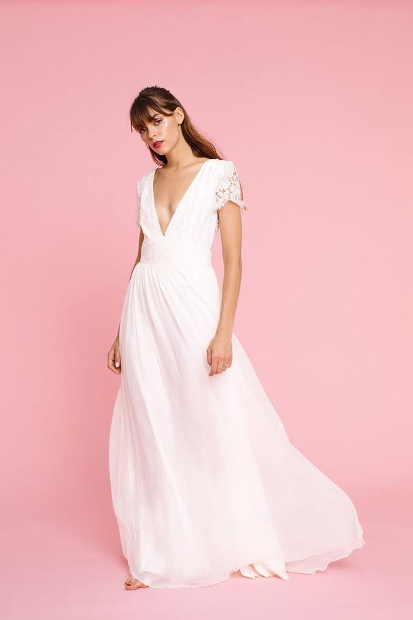robe-de-mariee-simple-dentelle-elise-hameau