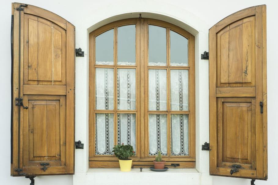 Nettoyer des volets en bois, PVC ou aluminium: comment faire?