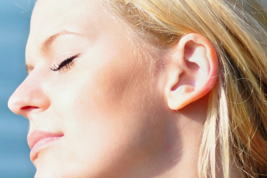 Comment lutter contre les taches brunes sur la peau