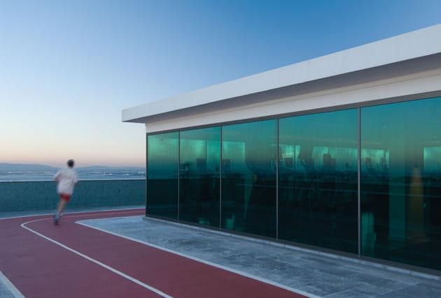 Salle de fitness avec vue