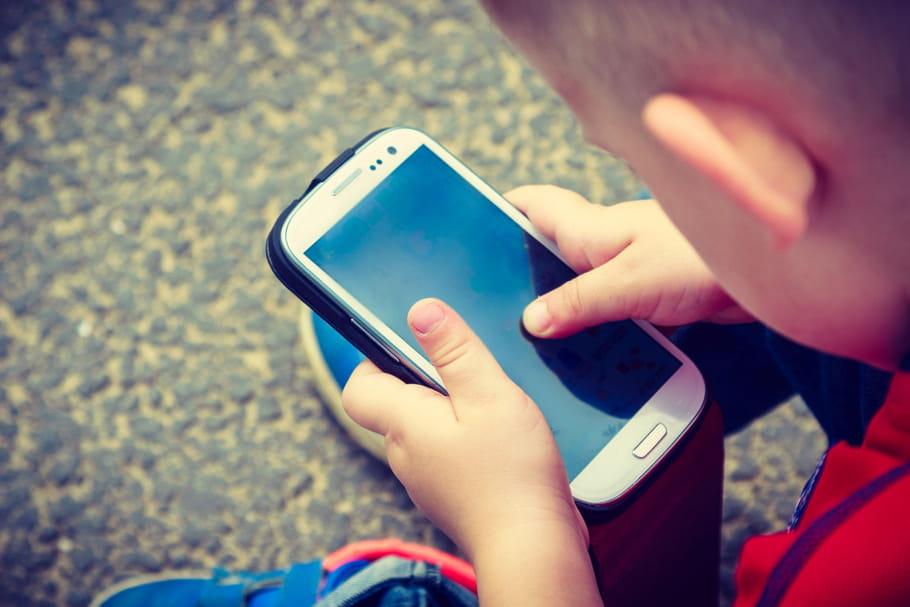 A cause des écrans, les enfants écrivent moins bien à la main