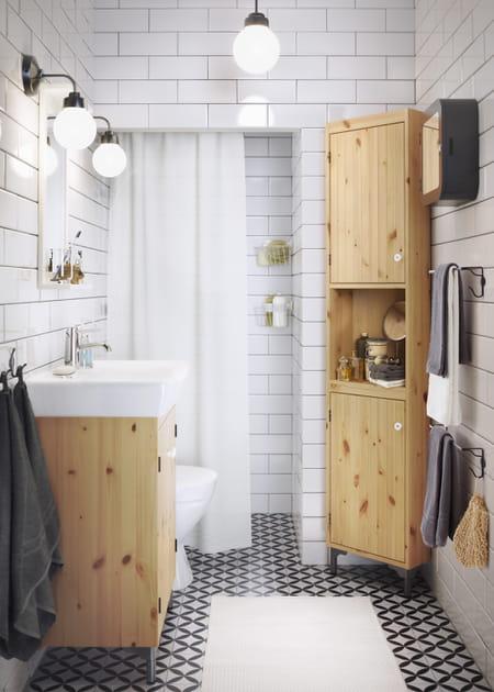 Un meuble d'angle pour la salle de bains