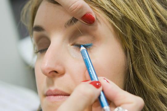 Le trait de crayon turquoise