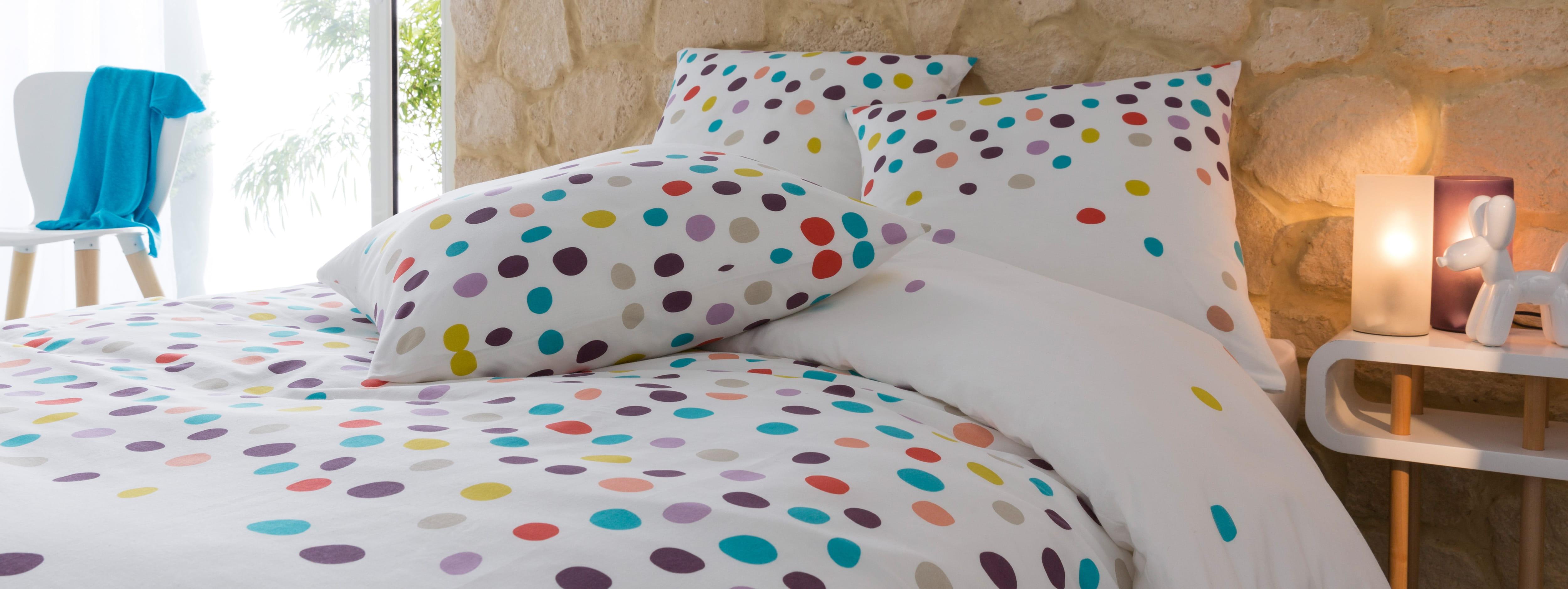 linge de lit confettis de conforama. Black Bedroom Furniture Sets. Home Design Ideas