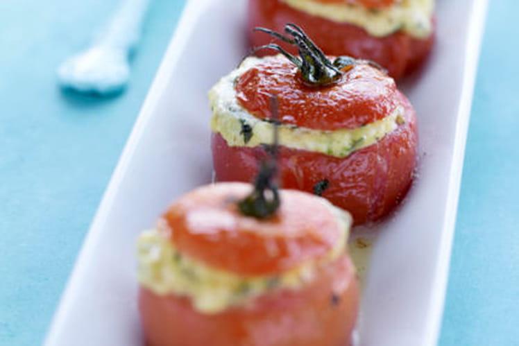Tomates de France farcies aux herbes et à la brousse