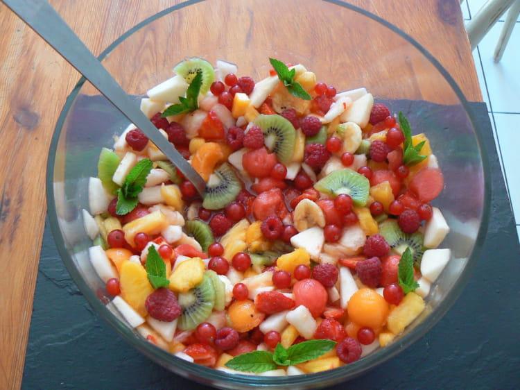 Recette de salade de fruits d 39 t multicolore la recette facile - Salade d ete originale et facile ...