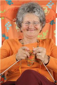 il n'y a pas que le tricot dans la vie des personnes âgées. la wii est devenue