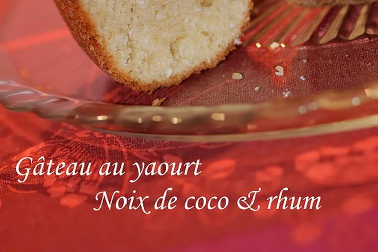 Gâteau au yaourt noix de coco & rhum